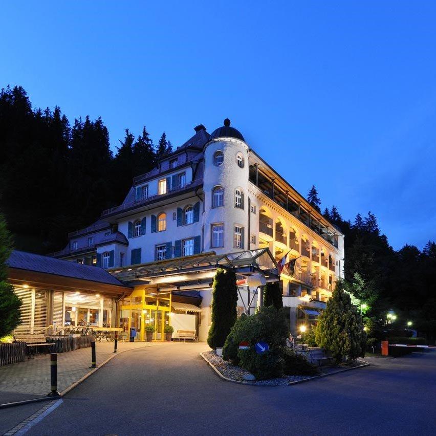 4 Tage Erholung Urlaub Gstaad Schweiz 3* Panorama Hotel Wandern Biking Reise